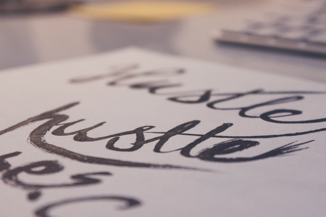 pen-calligraphy-hand-lettering
